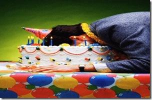 face-in-birthday-cake